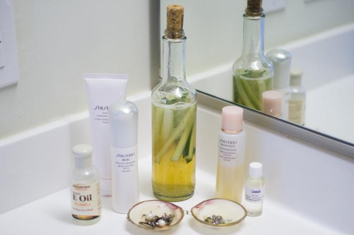 DIY aloe vera and cucumber facial toner recipe from Live Eat Learn