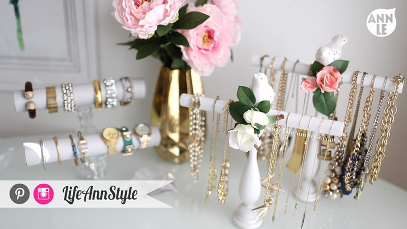 DIY bracelet and necklace holders