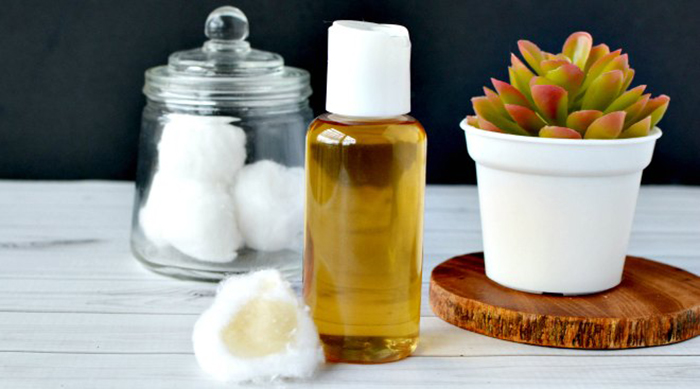 DIY tea tree oil facial toner recipe from One Crazy Mom