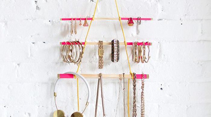 DIY hanging jewelry holder
