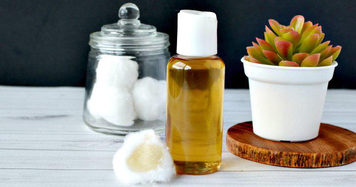 DIY tea tree oil facial toner recipe from One Crazy Mom