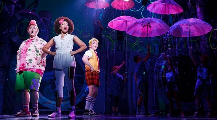 Scene from the Spongebob musical with Sandy, Spongebob and Patrick