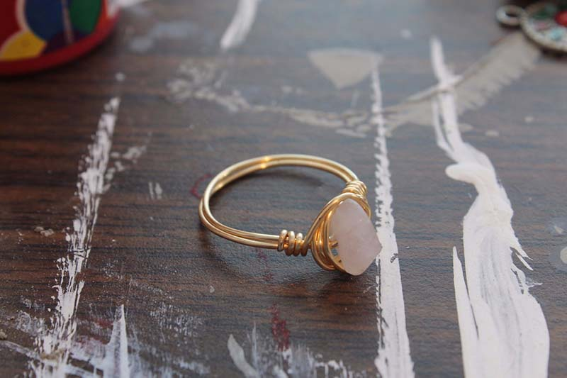 Rose quartz and gold ring from Etxy