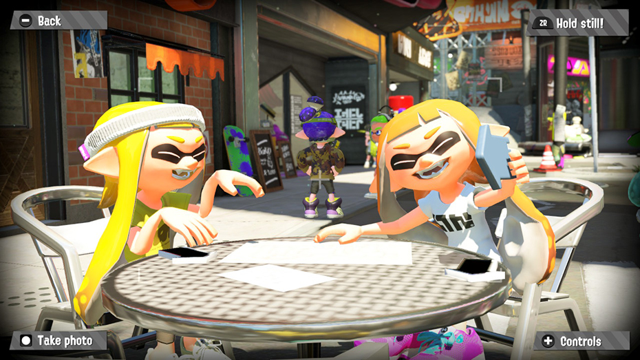 Splatoon 2: 2 Inklings taking a selfie