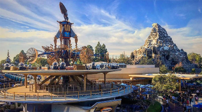 Photo of Disneyland's Tomorrowland with the Matterhorn in the background
