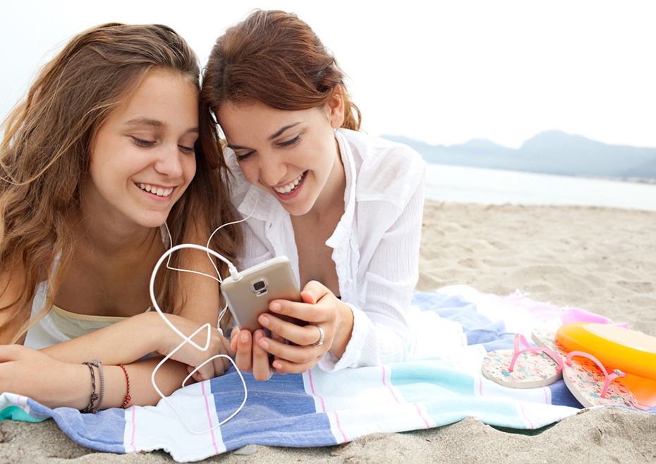 friends-sharing-fandom-080817