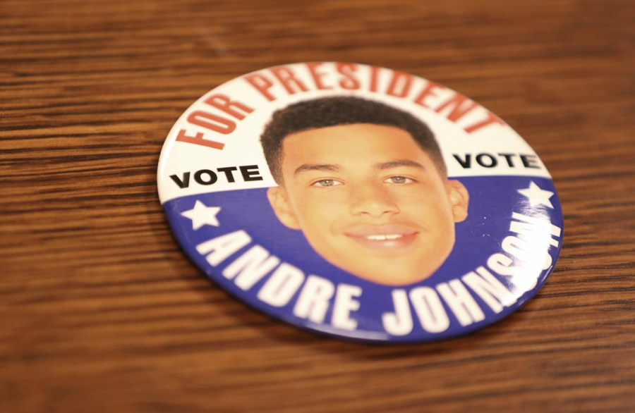 Andre Johnson for President button from Black-ish