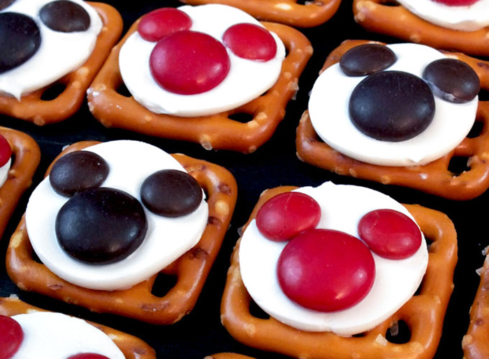 Mickey Mouse pretzel bites recipe