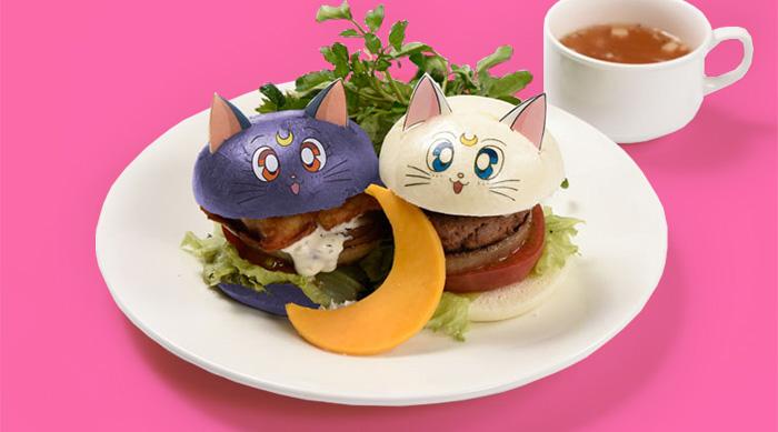 Sailor Moon Café: Artemis and Luna burgers