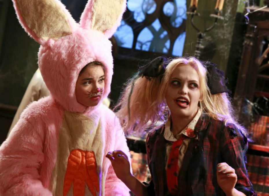Best Friends Whenever stars are dressed up in costume during a Halloween episode