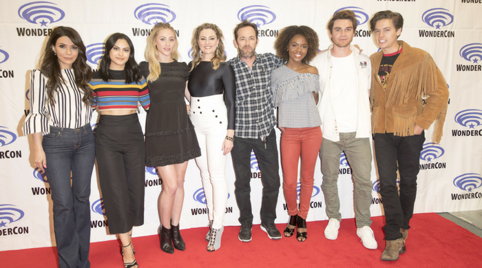 riverdale cast photo featured
