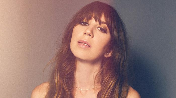 Indie pop artist Ella Vos