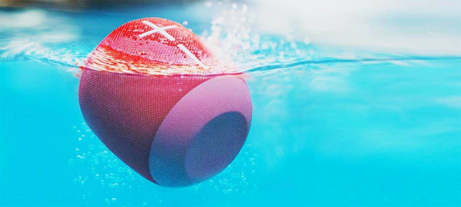 Ultimate Ears Wonderboom speaker under water