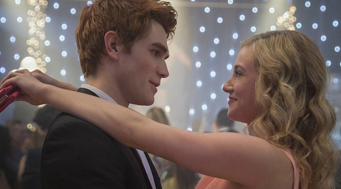 Betty and Archie dancing