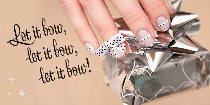 Gift wrap nails