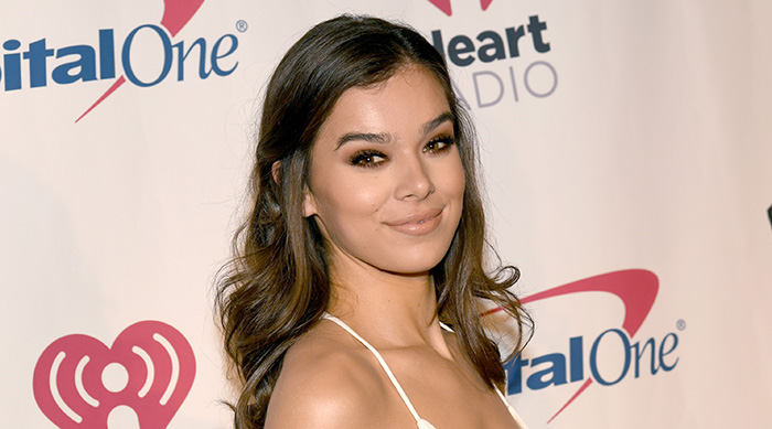 SAN JOSE, CA - NOVEMBER 30: EDITORIAL USE ONLY. NO COMMERCIAL USE: Hailee Steinfeld attends WiLD 94.9's FM's Jingle Ball 2017 Presented by Capital One at SAP Center on November 30, 2017 in San Jose, California. (Photo by Kevin Winter/Getty Images for iHeartMedia)