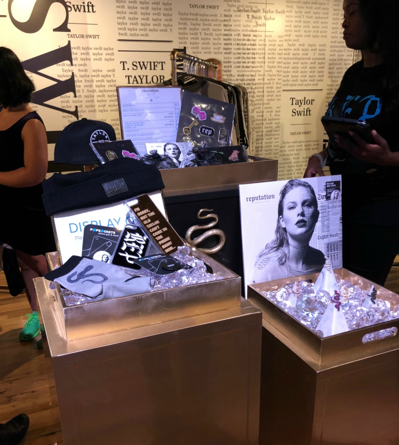 Behind the Scenes of T... Taylor Swift Reputation Merchandise
