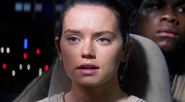 Star Wars: The Force Awakens Rey sees green