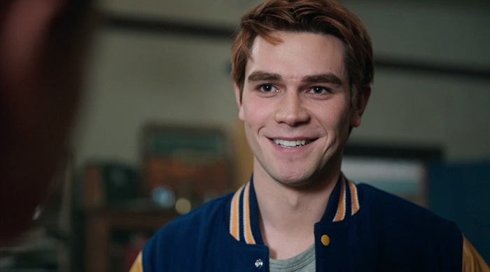 Archie smiling at Veronica on Riverdale