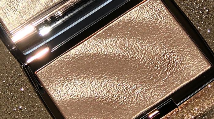 ABH x AmRezy Gold Highlighter
