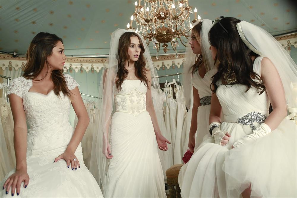 Pretty Little Liars wedding struggles