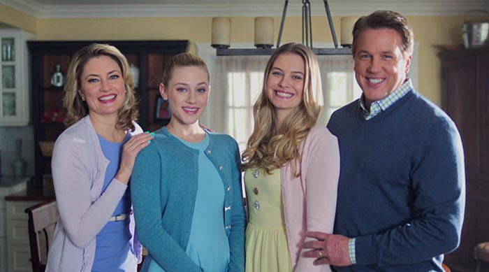 Cooper family photo on Riverdale