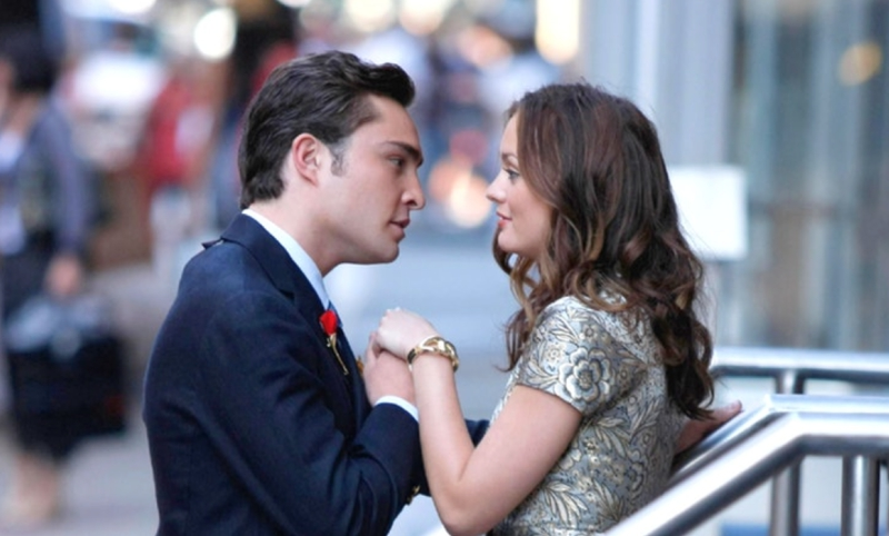 Chuck and Blair Holding Hands