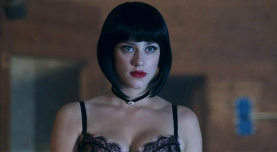 Dark Betty in black wig