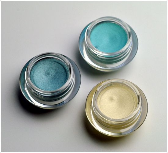 DIY baby blue eyeshadow