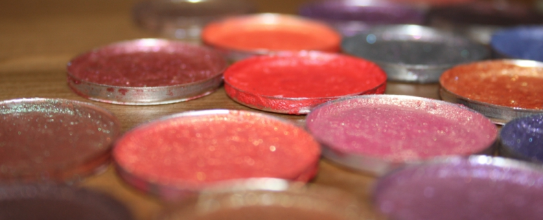 Pink pressed eyeshadow