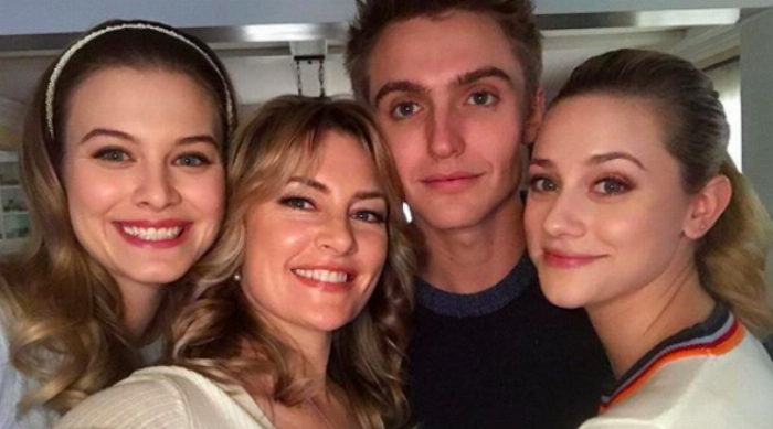 Cooper family selfie on Riverdale