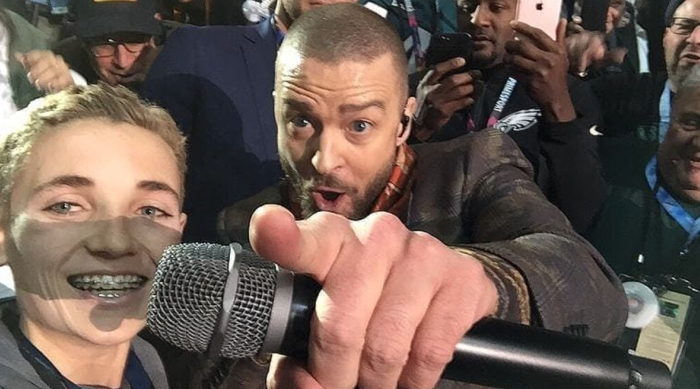 Selfie Kid's Selfie with Justin Timberlake