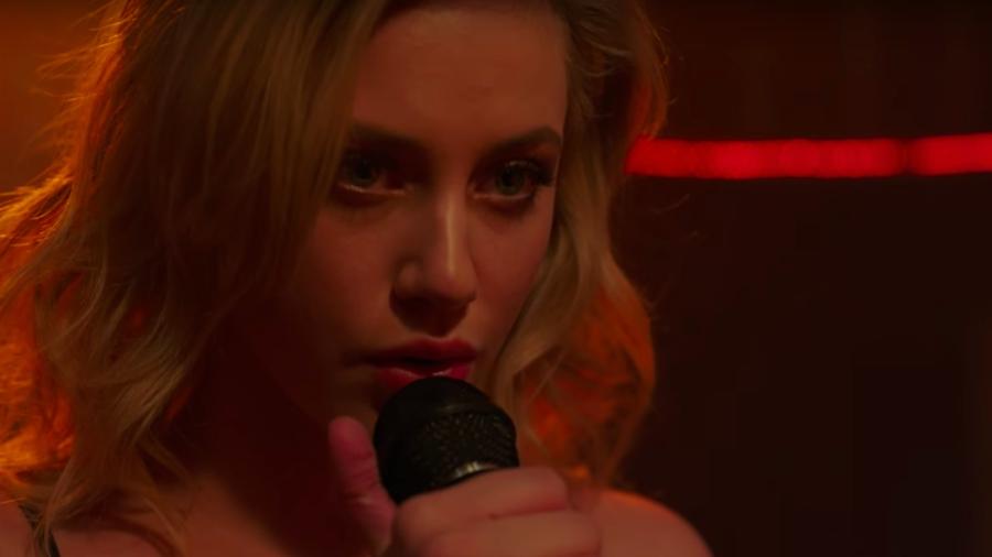 Betty singing Mad World