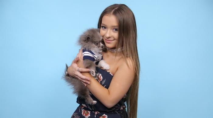 Dani Cohn With Puppy Silver