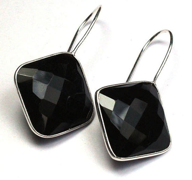 Black onyx square earrings