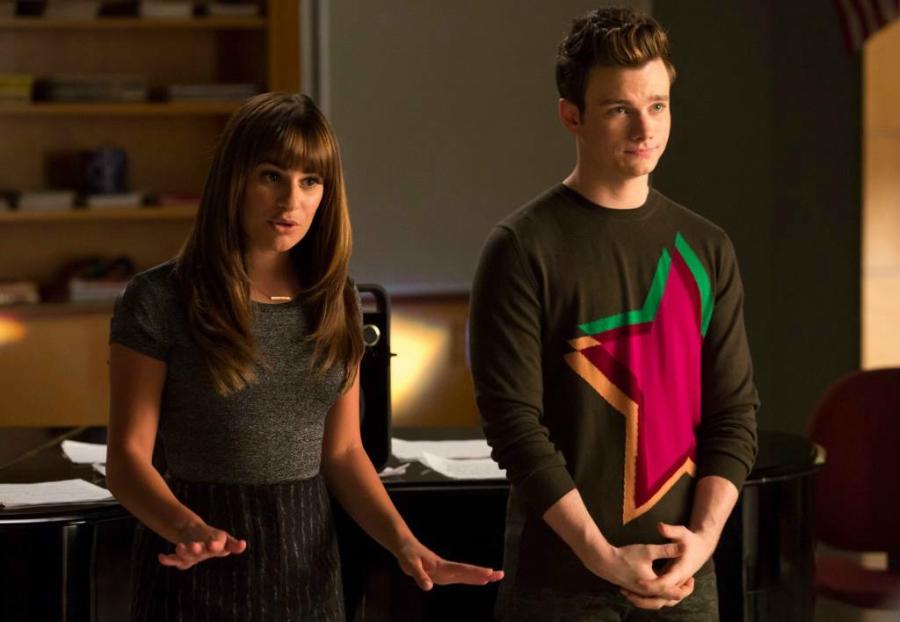 Glee giving speech