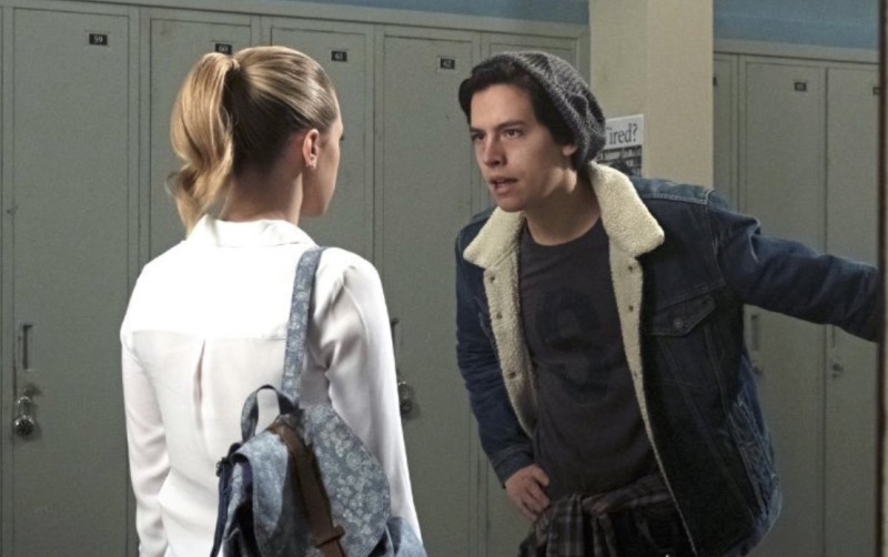 Jughead Talking to Betty