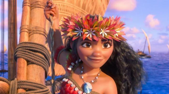 Moana in her lei crown sailing