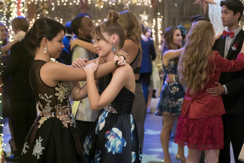 Mariana and Emma at prom