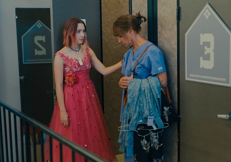 Lady Bird picking out prom dress