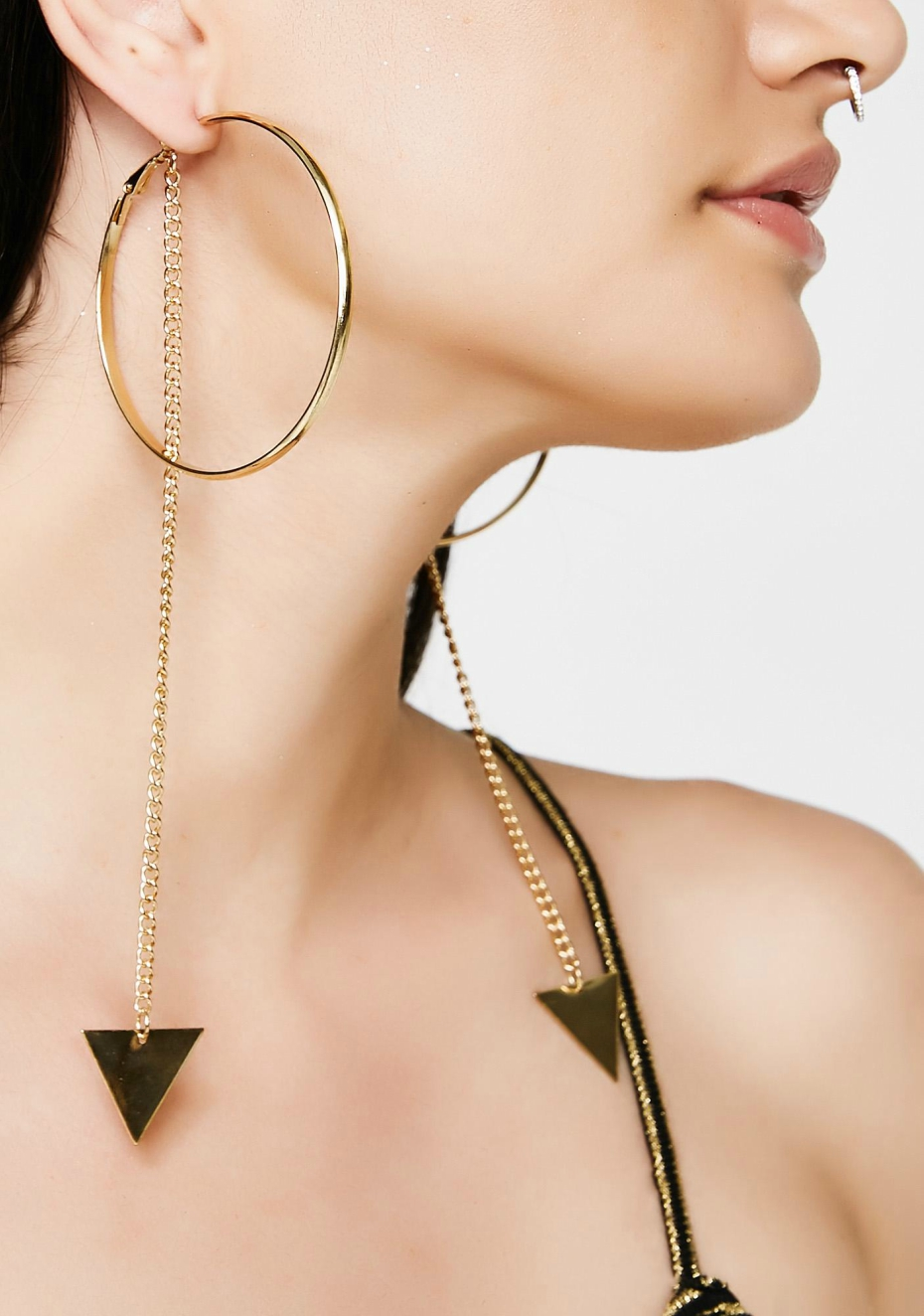 coachella-accessories-dolls-kill-hold-the-chain-hoop-earrings-040418