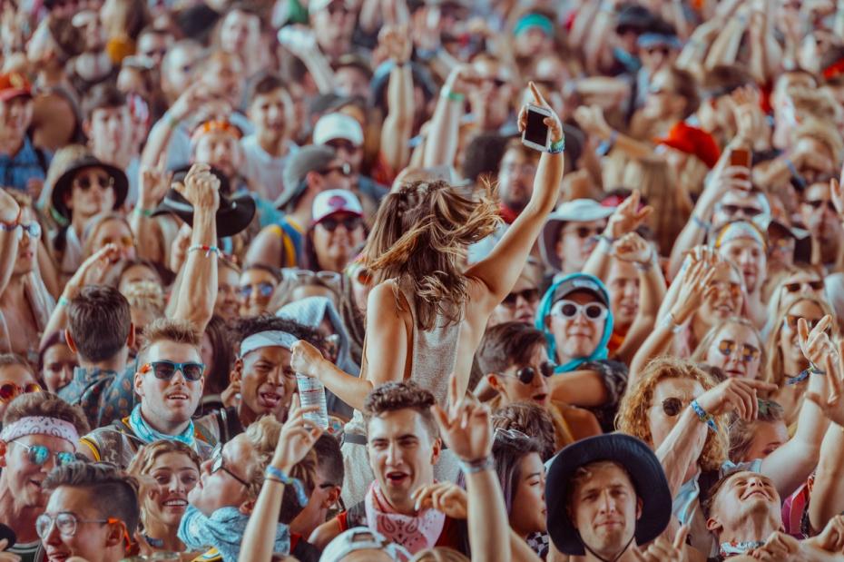 coachella-atmosphere-crowd-041718