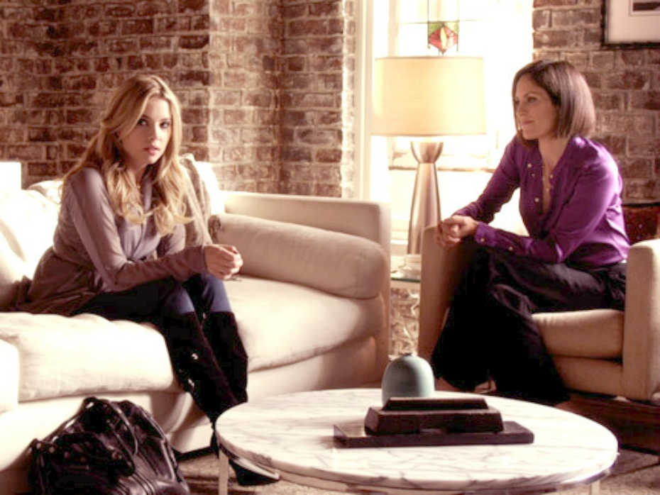 reasons-to-see-therapist-pll-042018