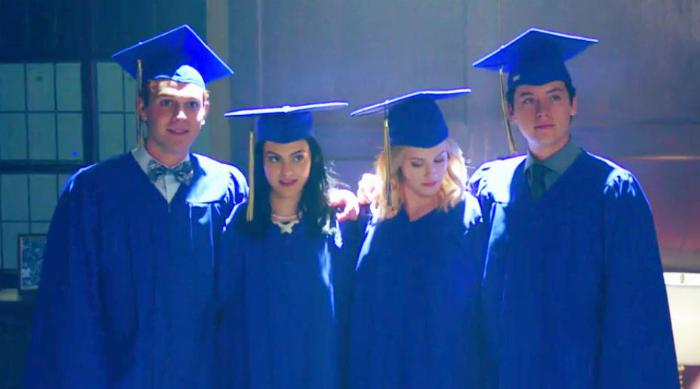 Riverdale: Archie, Veronica, Betty and Jughead in blue graduation gowns
