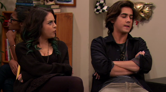 Beck and Jade arguing in an episode of Victorious