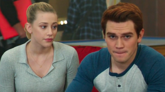 Betty Staring at Archie Riverdale