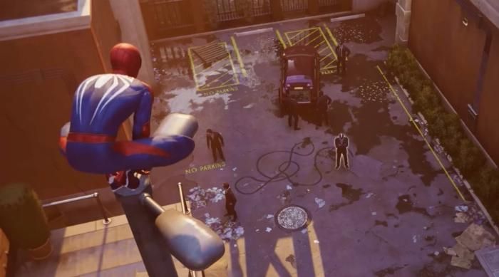 Marvel's Spider-Man for Playstation 4: Spider-Man looks over a crime