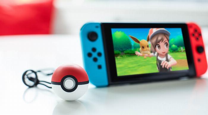 Nintendo: Poké Ball Plus and Nintendo Switch with Pokémon Let's Go Eevee