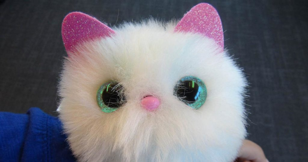 We Tried Pomsies The Adorable And Wearable Virtual Cat