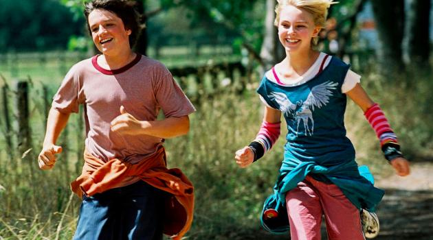 Bridge to Terabithia; Kids running
